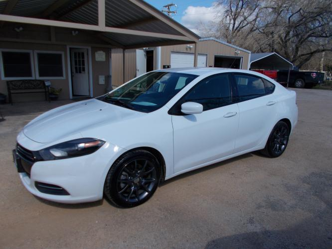 2016 WHITE DODGE DART SE SE (1C3CDFAA4GD) with an 2.0L engine, 6-Speed Manual transmission - Photo #0